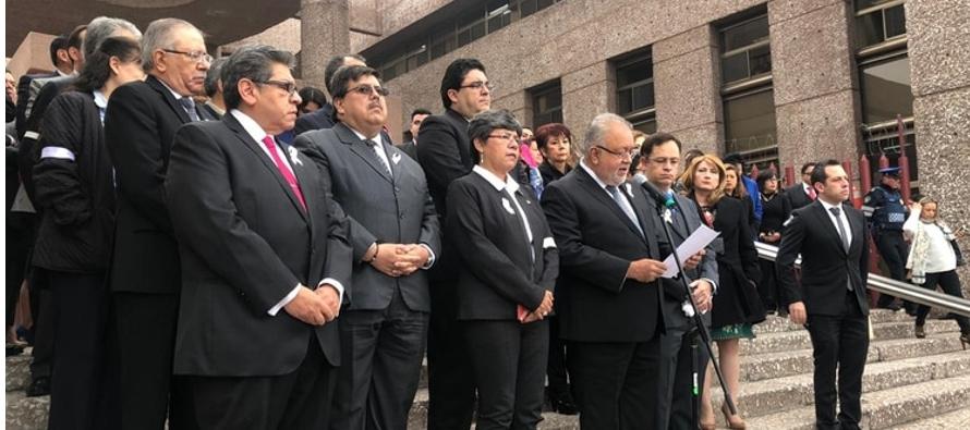 López Obrador y jueces discrepan por salarios
