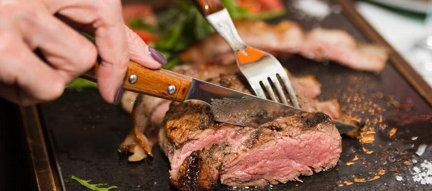 ¿Con qué frecuencia comer carne roja aumenta el riesgo de enfermedades cardiacas?