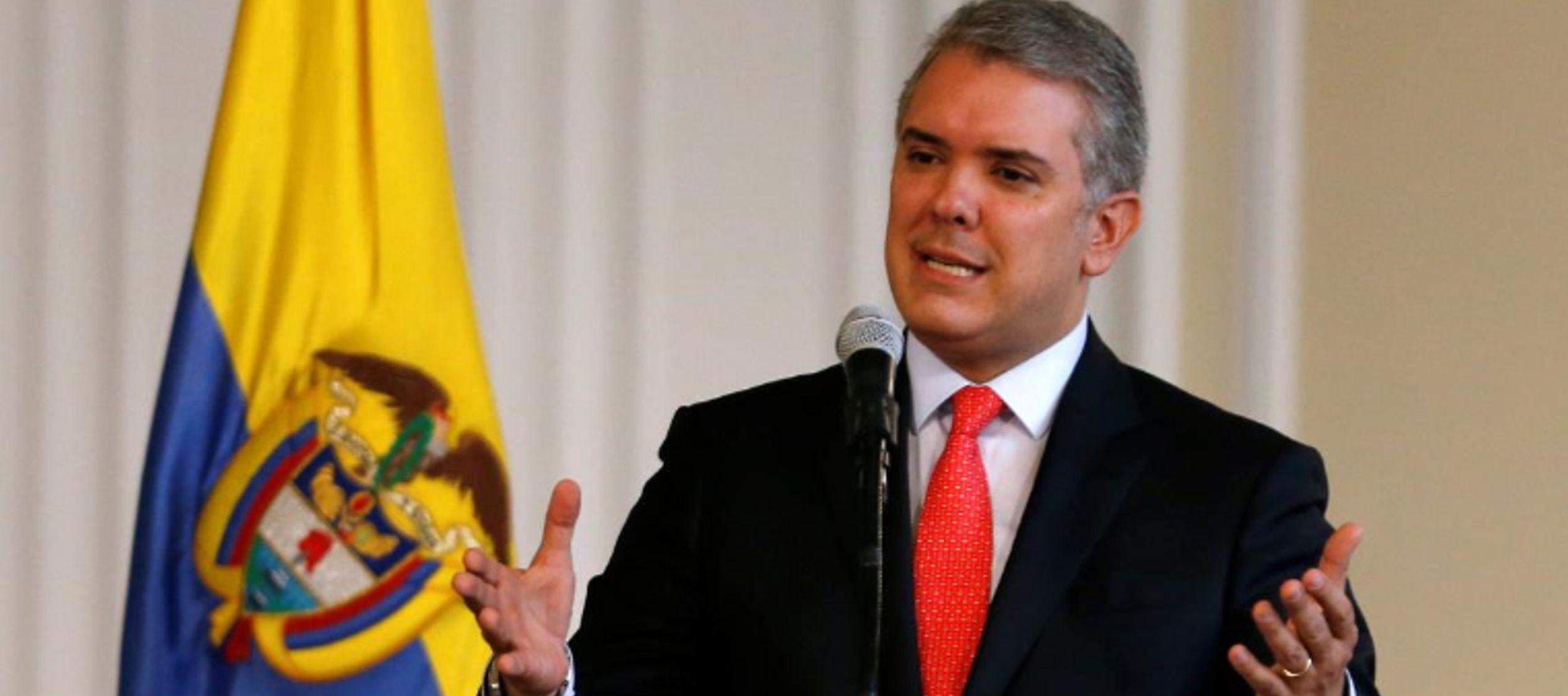 Presidente de Colombia critica maniobras militares de Venezuela con Rusia