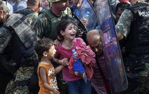 """""""Los niños jamás deberían ser utilizados como moneda de cambio. Los refugiados y los inmigrantes no deberían ser manipulados por razones políticas, en particular los más vulnerables"""": UNICEF"""
