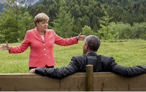 """Obama dio su espaldarazo a la canciller alemana Angela Merkel por su manejo del asunto de los migrantes y señaló que ella está """"en el lado correcto de la historia en esta situación""""."""