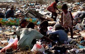 Venezolanos sobreviven en un escenario de catástrofe